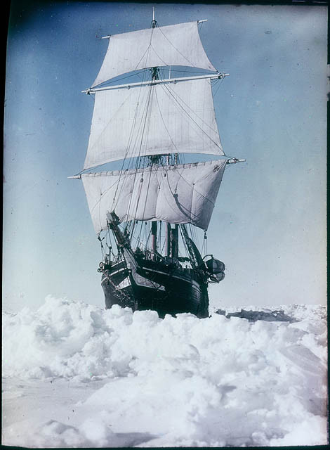 the-endurance-under-full-sail-held-up-in-the-weddell-sea-1915-by-frank-hurley_l